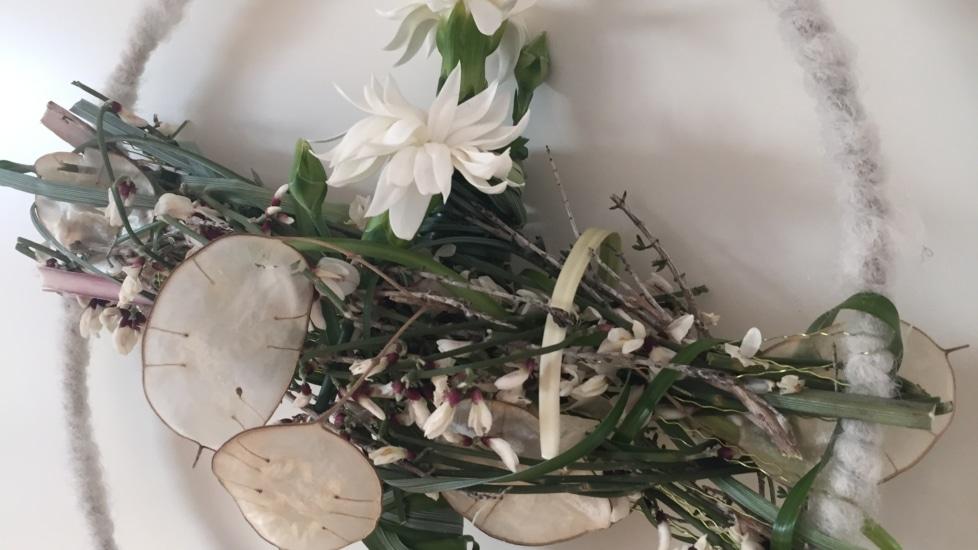 Online-Workshop Asthaus Winterlicher Kranz mit Blüte